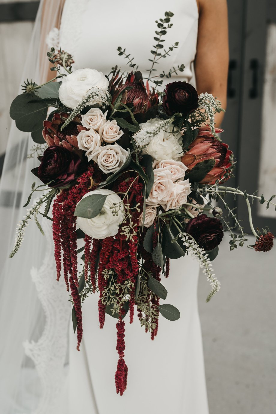 Burgundy_Fall_wedding_flowers_Lang_Floral_Designs_Chattanooga_Howe_Farms_326