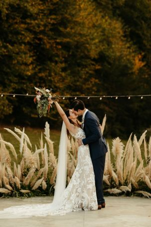 Boho Fall Bridal Bouquet | Boho Glamping Wedding at Under Canvas Smoky Mountains | Pampas Grass Ceremony Crescent Installation | Pigeon Forge Wedding | Chattanooga Wedding Flowers | Lang Floral Designs