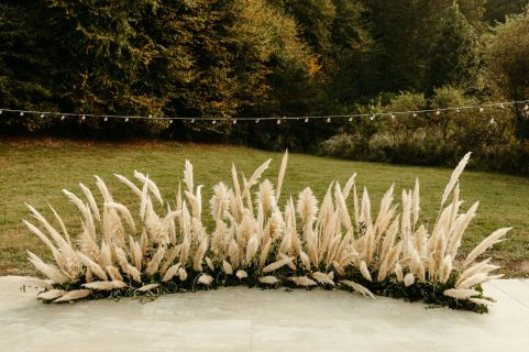 Boho_Glamping_Wedding_Pampas_Grass_Crescent_Installation_Pigeon_Forge_Wedding_Under_Canvas_Smokey_Mountains_Chattanooga_Wedding_Flowers_Lang_Floral_Designs_3